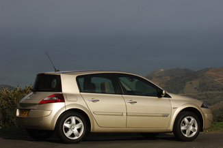 Fiche Technique Renault Megane Ii 1 4 16v Interlagos 2007