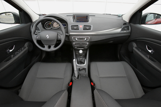 renault megane 3 coupe 1 5 dci 110 fap ann e 2009. Black Bedroom Furniture Sets. Home Design Ideas