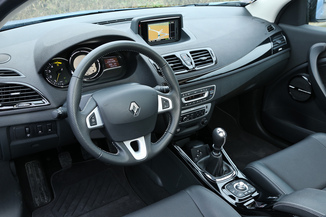 fiche technique renault megane coupe iii d95 1 6 dci. Black Bedroom Furniture Sets. Home Design Ideas