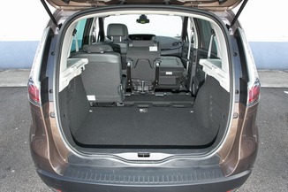 fiche technique renault scenic iii 1 6 dci130 energy bose. Black Bedroom Furniture Sets. Home Design Ideas
