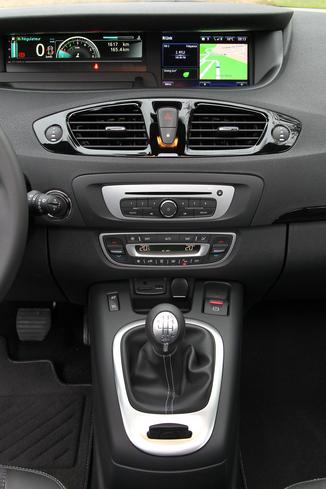 Fiche Technique Renault Scenic Iii J95 1 6 Dci 130ch Energy Bose