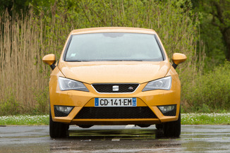 fiche technique seat ibiza sc iv 1 2 tsi 105ch i tech dsg l 39. Black Bedroom Furniture Sets. Home Design Ideas