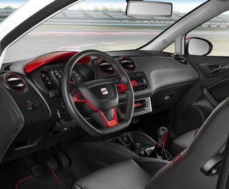 fiche technique seat ibiza st i 1 4 85ch style 2014. Black Bedroom Furniture Sets. Home Design Ideas