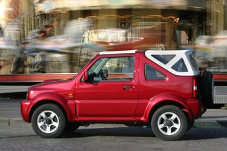 fiche technique suzuki jimny cabriolet i 1 5 ddis maori se 2010. Black Bedroom Furniture Sets. Home Design Ideas