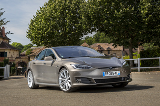 TESLA Model S P90D Performance Dual Motor
