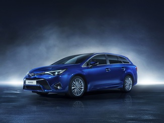 Toyota Avensis Tour. Sports (2015 - 2017)