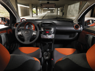 fiche technique toyota aygo 1 0 vvt i 68ch style mmt 5p l 39. Black Bedroom Furniture Sets. Home Design Ideas