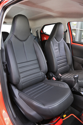 fiche technique toyota aygo ii 1 0 vvt i 69ch x play 5p l 39. Black Bedroom Furniture Sets. Home Design Ideas