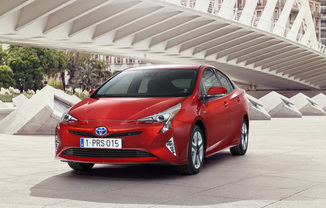 TOYOTA Prius 122h Dynamic Business