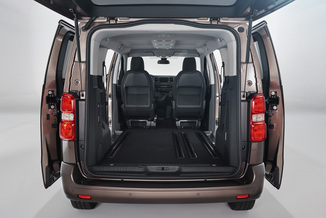 fiche technique toyota proace verso ii long 150 d 4d executive l 39. Black Bedroom Furniture Sets. Home Design Ideas