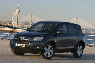TOYOTA RAV4 177 D-4D Clean Power