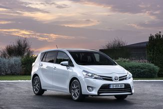 TOYOTA Verso 112 D-4D Business 5 places