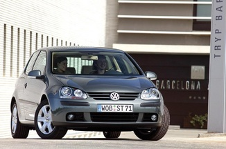 fiche technique volkswagen golf v 1 9 tdi 105 confortline. Black Bedroom Furniture Sets. Home Design Ideas