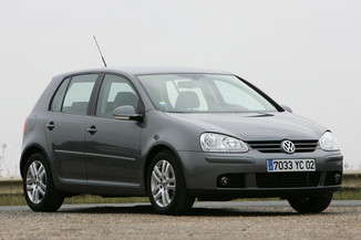 fiche technique volkswagen golf 5 essence 1 4 tsi 122 gt sport 3p de 2008. Black Bedroom Furniture Sets. Home Design Ideas