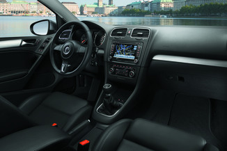 fiche technique volkswagen golf vi 1 6 tdi 105ch bluemotion fap match dsg7 5p l 39. Black Bedroom Furniture Sets. Home Design Ideas