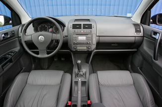 Fiche technique volkswagen polo iv 1 4 tdi 70ch 5p l for Interieur 51 berlin