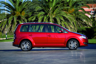 fiche technique volkswagen touran 2 0 tdi 140ch freestyle 7 places l 39. Black Bedroom Furniture Sets. Home Design Ideas