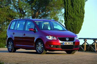 fiche technique volkswagen touran 1 9 tdi 105ch freestyle l 39. Black Bedroom Furniture Sets. Home Design Ideas