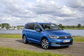 VOLKSWAGEN Touran 1.6 TDI 115ch BlueMotion Technology FAP Family DSG7 7 places