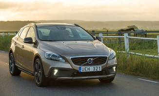 fiche technique volvo v40 cross country t4 awd 190ch xenium geartronic l 39. Black Bedroom Furniture Sets. Home Design Ideas
