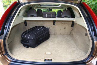 fiche technique volvo xc60 i d3 kinetic awd geartro 2012. Black Bedroom Furniture Sets. Home Design Ideas