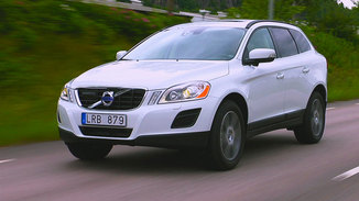 fiche technique volvo xc60 d4 awd 163ch momentum geartronic l 39. Black Bedroom Furniture Sets. Home Design Ideas