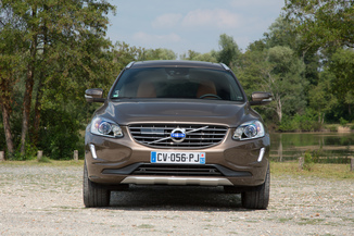 fiche technique volvo xc60 d3 150ch momentum business l 39. Black Bedroom Furniture Sets. Home Design Ideas