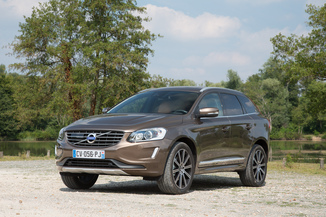 fiche technique volvo xc60 d3 150ch signature edition l 39. Black Bedroom Furniture Sets. Home Design Ideas